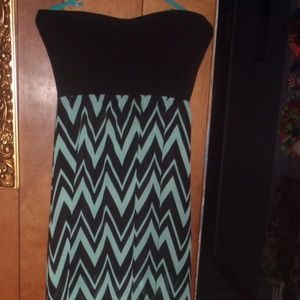womens chevron maxi dress size M